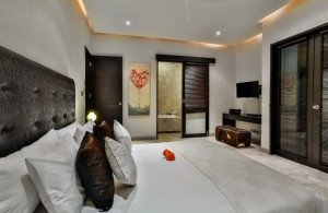 The Residence Seminyak - Villa Amala - Bedroom & bathroom one