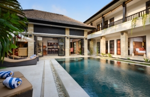 The Residence Seminyak - Villa Amman - Pool & the villa