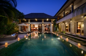 The Residence Seminyak - Villa Amman - Pool at night