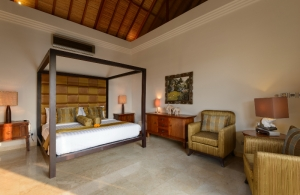 The Residence Seminyak - Villa Amman - Upstair bedroom