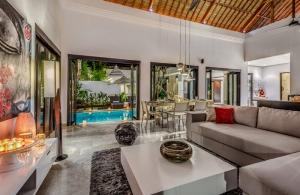 The Residence Seminyak - Villa Jepun - Living room