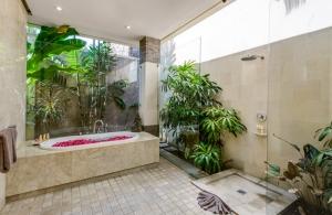 The Residence Seminyak - Villa Menari - Bedroom three