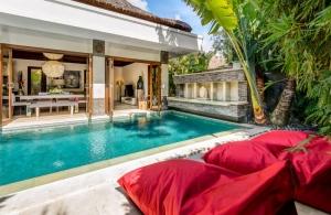 The Residence Seminyak - Villa Menari - Pool lounge