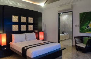 The Residence Seminyak - Villa Senang - Bedroom & bathroom