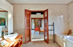 The Residence Seminyak - Villa Shanti - Bathroom one