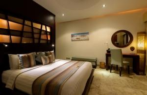 The Residence Seminyak - Villa Siam - Bathroom one